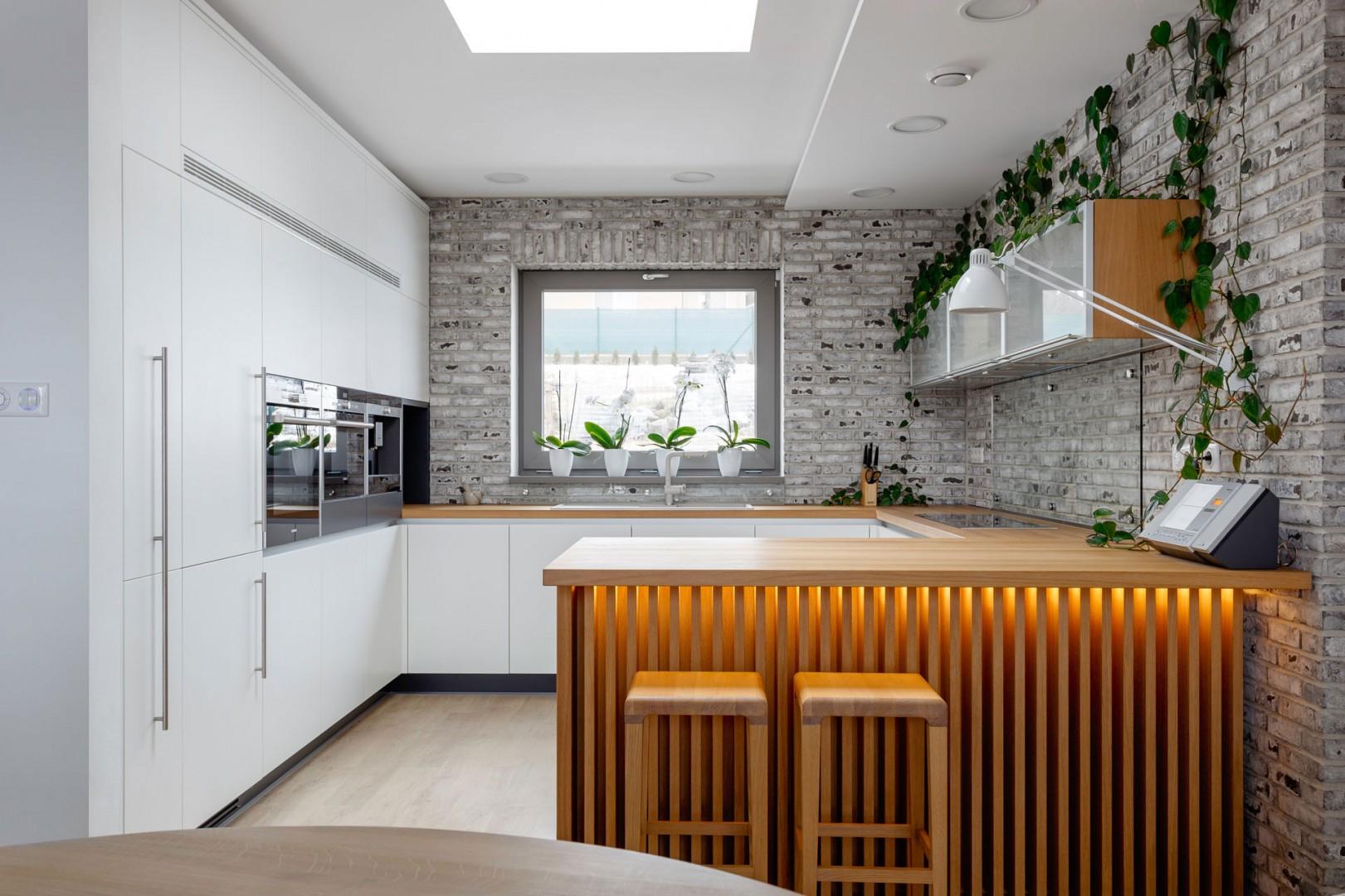Dizajn a realizácia interiéru na mieru. Výroba kuchyne na mieru.