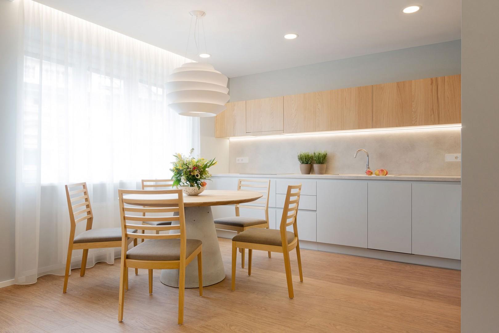 Design a realizácia interiéru bytu, kompletná realizácia , výroba nábytku a interiérových dverí na mieru, interiér na kľúč, rekonštrukcia bytu, inteligentné osvetlenie bytu
