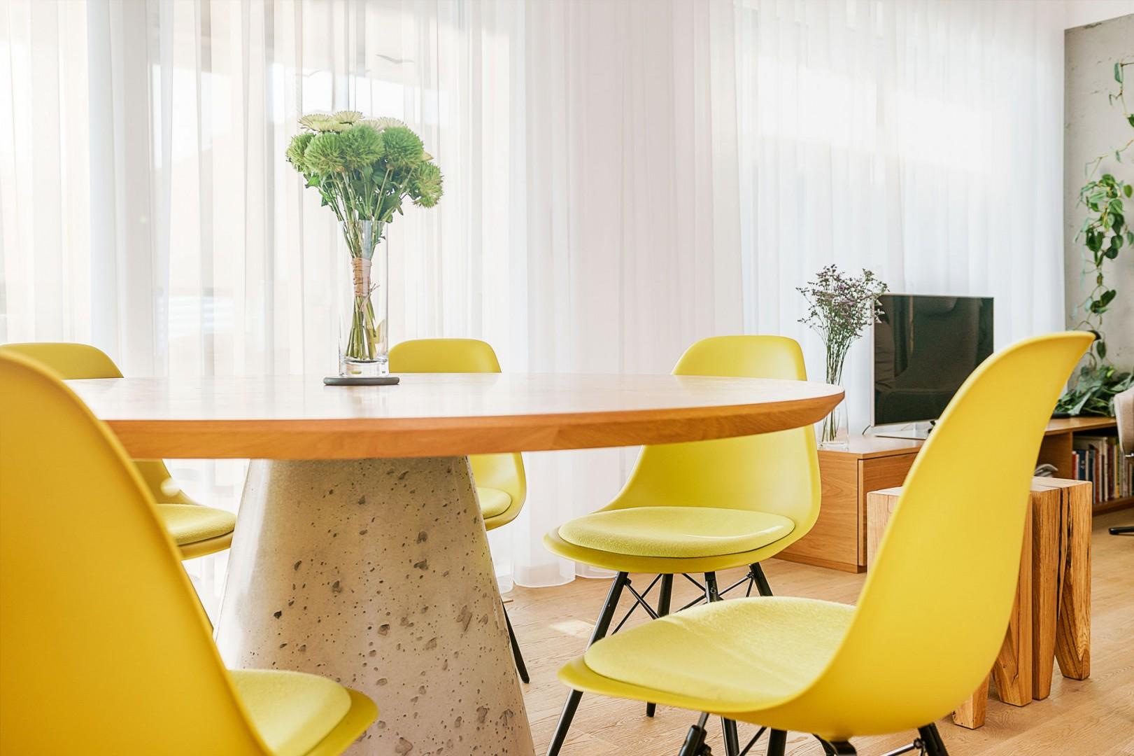 realizacia interieru rodinneho domu - vyroba kuchyne a jedalne na mieru