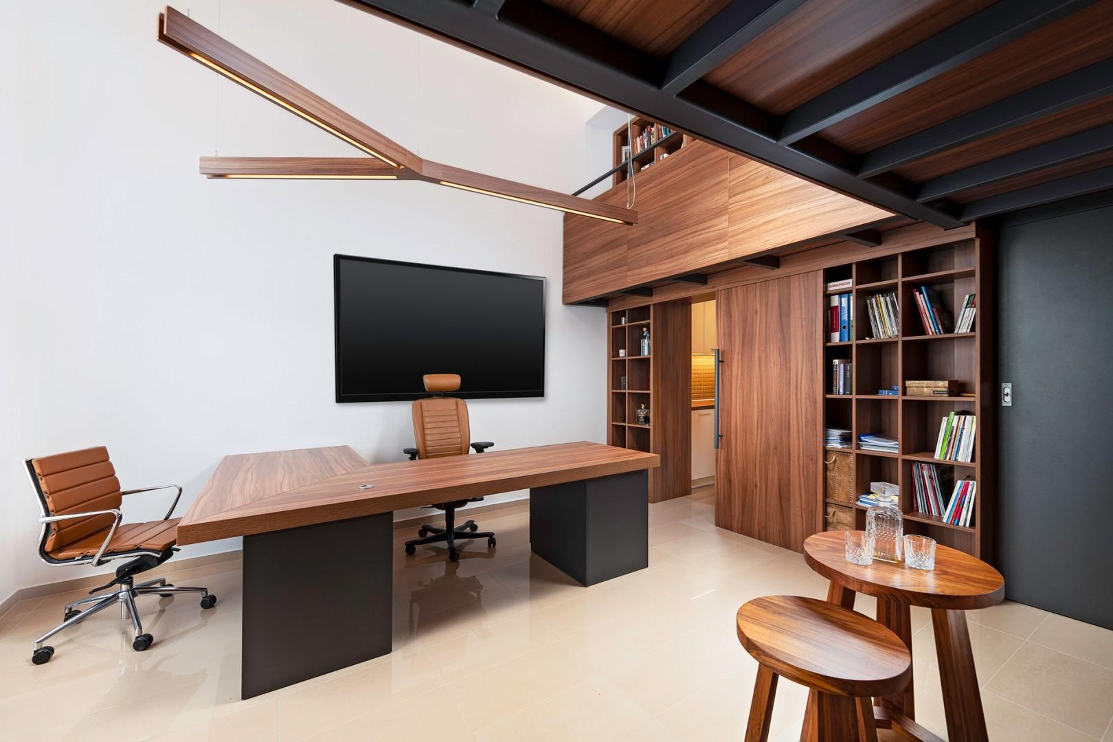 Design a realizácia interiéru - reprezentatívna loftová kancelária