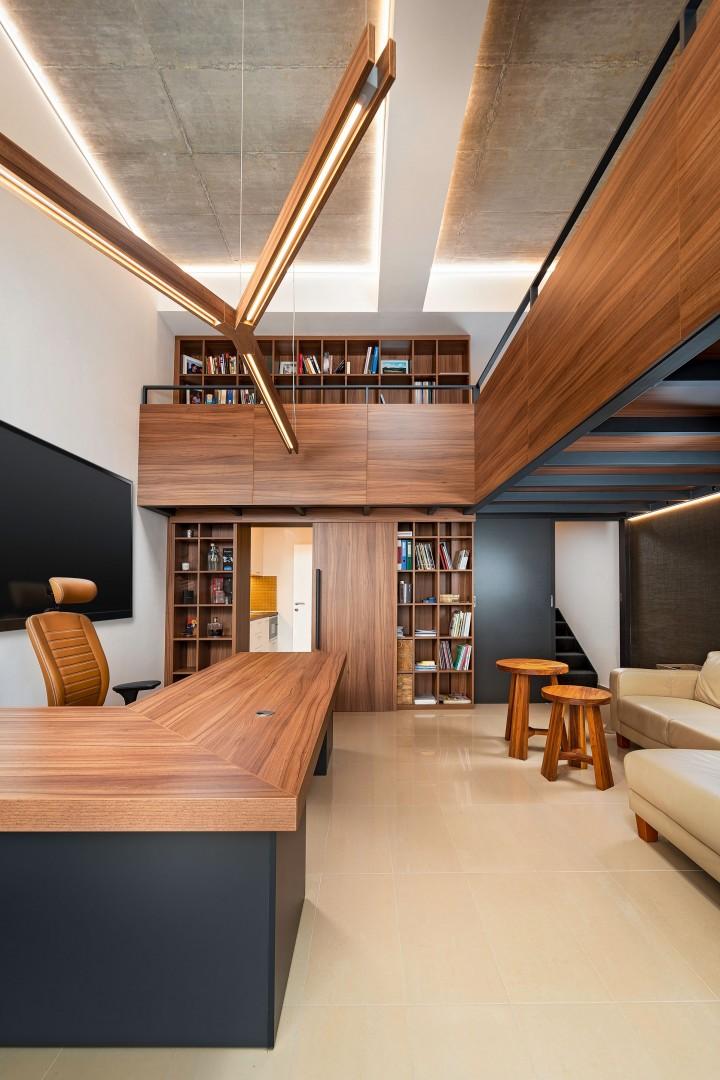Návrh a výroba nábytku na mieru do reprezentatívnej loftovej kancelárie